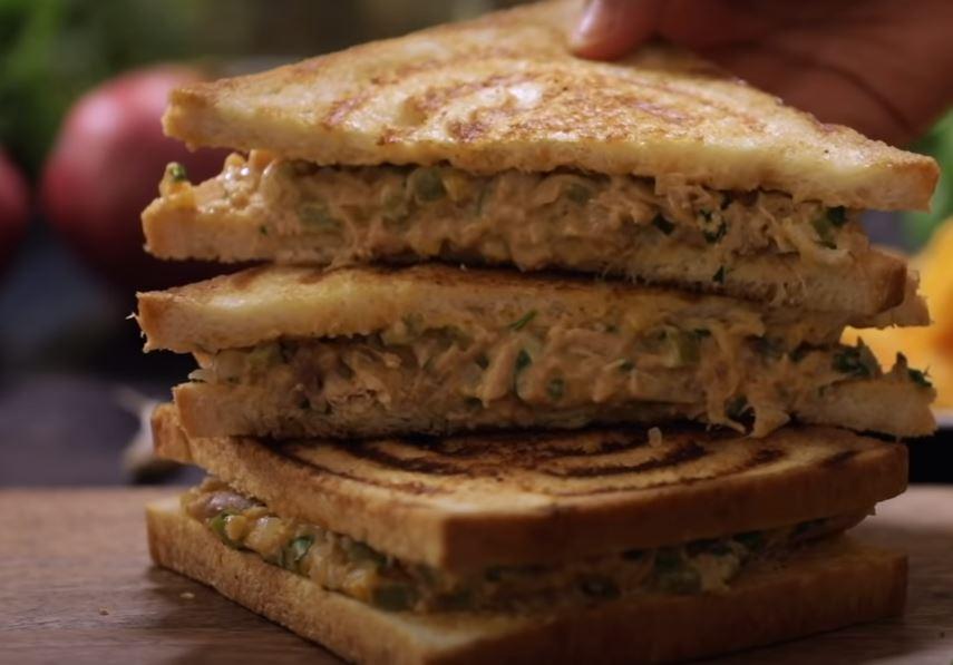 Simple chicken sandwich