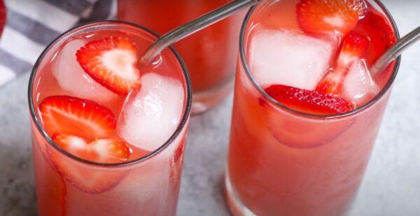 Strawberry acai refresher