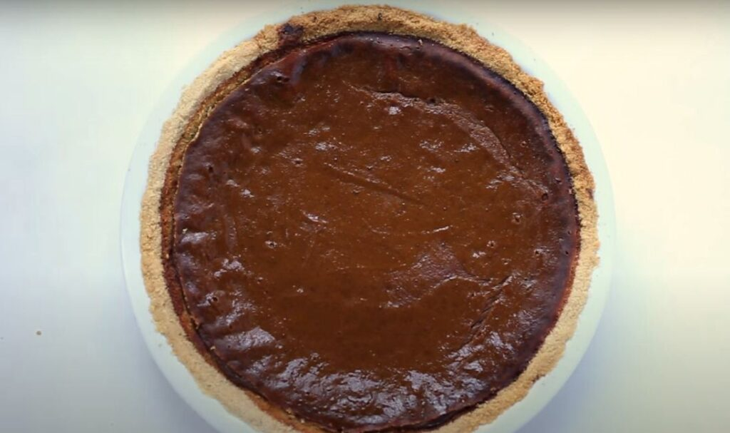 PUMPKIN PIE + VEGAN ALMOND FLOUR PIE CRUST