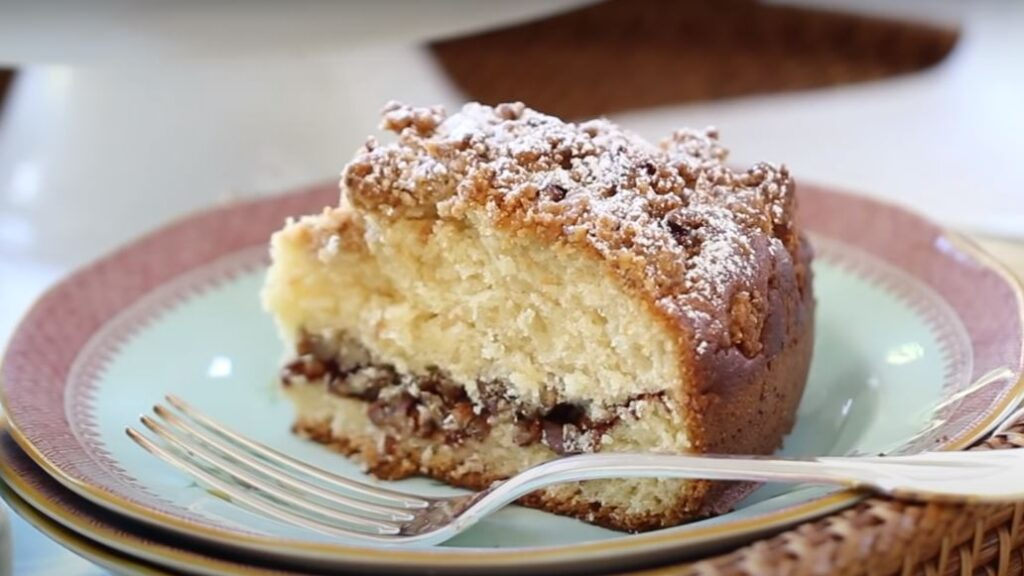 BISQUICK SOUR CREAM COFFEE CAKE